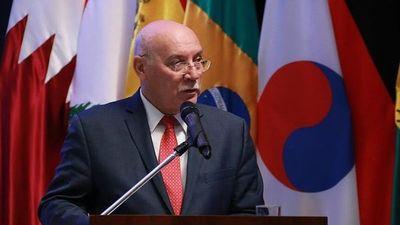 Ex juez español también se indignó por condecoración a Loizaga
