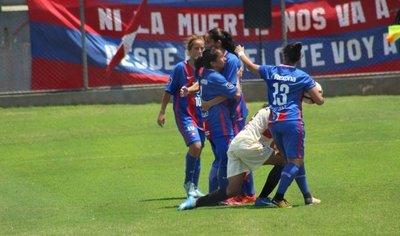 Cerro Porteño golea y se instala en las semifinales