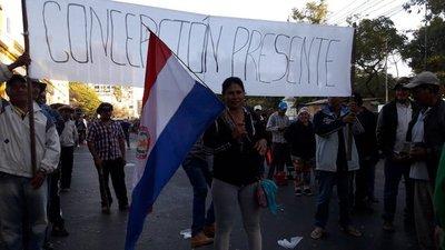 Labriegos anuncian que seguirán en Asunción por tiempo indefinido
