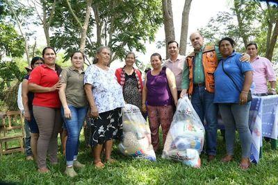 El Gobierno entregó las primeras 40 toneladas de alimentos a campesinos