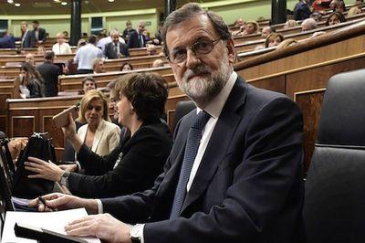 Constitución española permite a Madrid asumir competencias de Cataluña