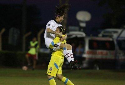 Colo Colo gana a River y espera rival