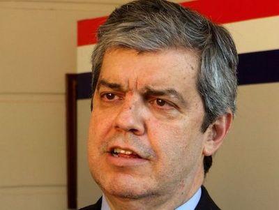 Pedido de renuncia es por motivos políticos, dice Riera