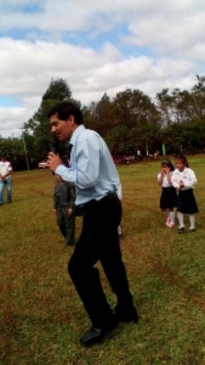 Imputan a exdirector acusado de manosear a una escolar
