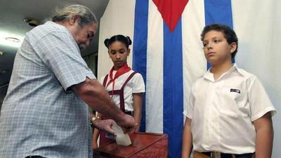 Cuba defiende su sistema electoral ante los comicios que marcan el relevo de Castro