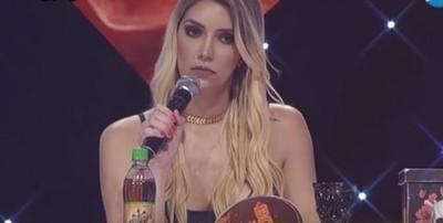 """Carmiña Masi """"desapareció"""" De La Mesa De Jurados En El Baila"""