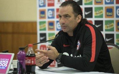 Pizzi defiende a los jugadores chilenos