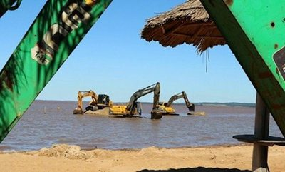 Tunean playa Mbói Ka'ê a full