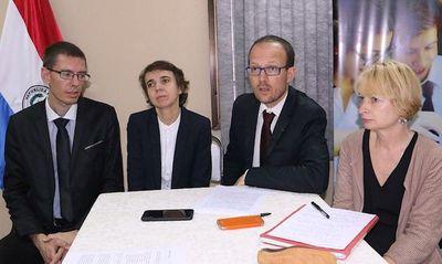 Tras evaluación, tutores franceses elogian trabajos de docentes becados