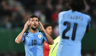 Austria supera a una Uruguay sin puntería