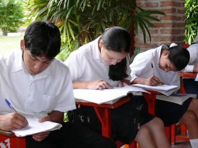 Dos colegios bajo sumario por no dejar rendir a morosos
