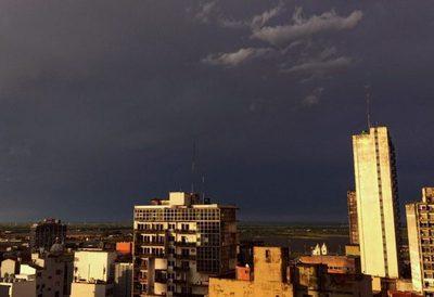 Meteorología emite alerta por lluvias