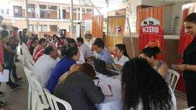 Feria de empleos en Zeballos Cue para los alumnos que terminaron el colegio
