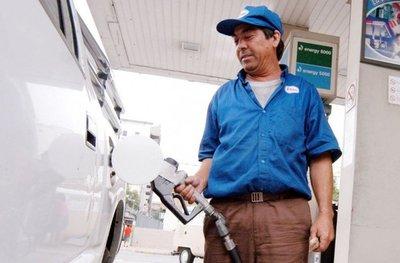 Gremios de combustibles piden limitar injerencias