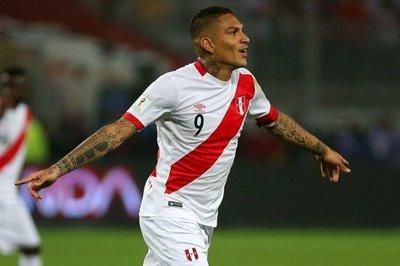Los peruanos quieren ver a Guerrero en Rusia