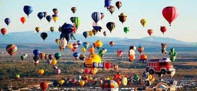 Cielo de colores en México en Festival de Globos