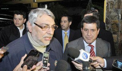 """Acuerdo entre Cartes y Lugo fue """"espúreo y fatal"""", según Clarín"""