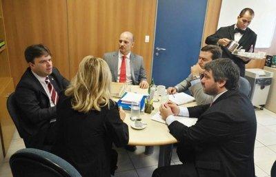 Fiscal paraguayo adelanta entrega de pruebas contra Flavio Acosta