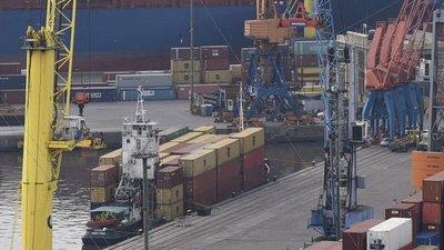 Autoridades buscan destrabar demora de embarcaciones