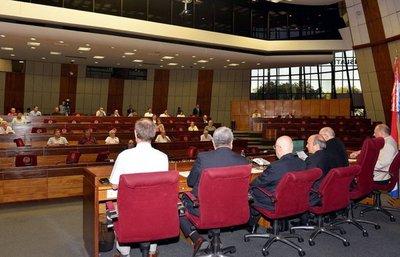 En audiencia pública rechazan acuerdos sobre Tratado de Yacyretá