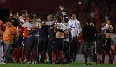 Independiente vence a Libertad y espera por su rival para la final de la Sudamericana