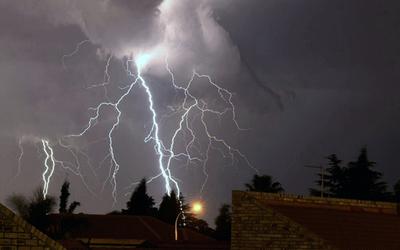 Emiten alerta meteorológica para nueve departamentos