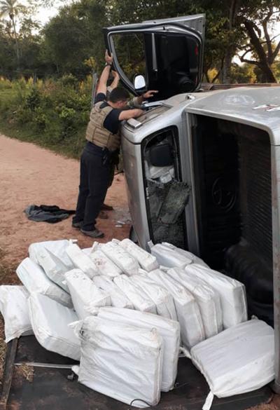 Desmantelan una enorme estructura  de envío aéreo de drogas al exterior