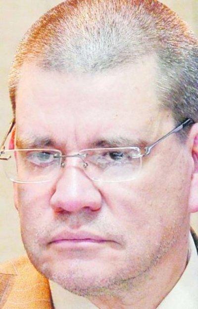 Neumólogos critican a Barrios