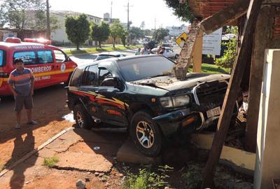 Accidente rutero deja daños materiales