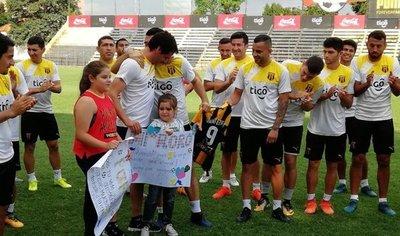 Emotiva despedida al máximo goleador del fútbol paraguayo