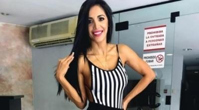 La Miss Tanga Andy Duarte Explicó El Origen De Su Nueva Camioneta Y Los Ramos Que Recibe