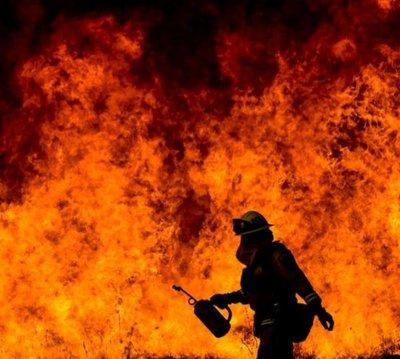 Los incendios de California dejan 100.000 evacuados