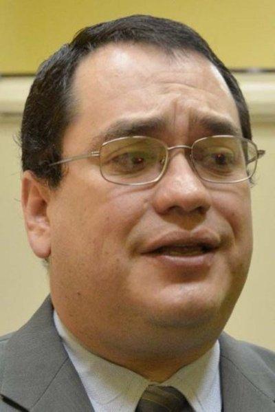 Exministro de la Niñez y proveedora del Estado deben afrontar juicio oral