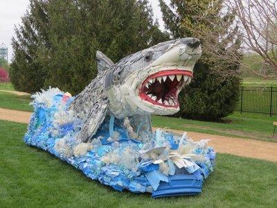 En EEUU educan con arte hecho de basura