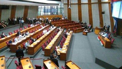 Senado ya analiza suspensión