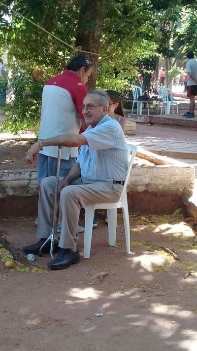 Muchísimos abuelitos y personas con discapacidad en locales de votación