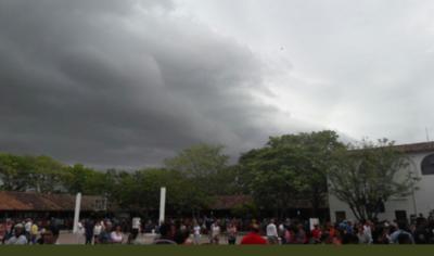 En medio de la votación, la tormenta ya llegó al Ñeembucú