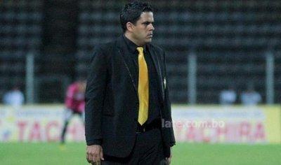 Daniel Farías deja de ser técnico del The Strongest boliviano
