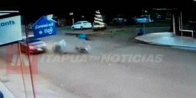 BRUTAL CHOQUE FRONTAL DE MOTOCICLETAS DEJAS DOS HERIDOS