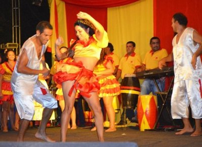 En Kamba Kua hoy celebran a San Baltazar, con música y danza