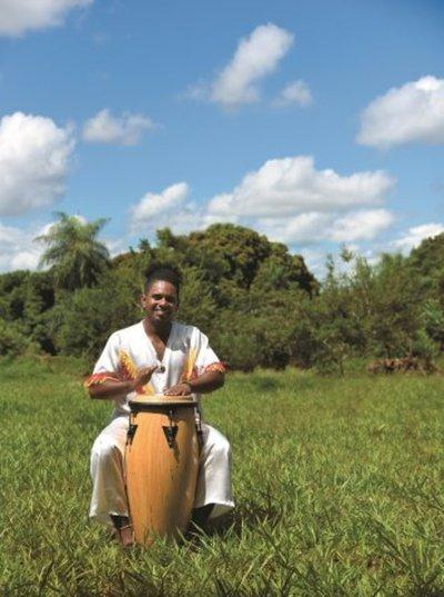 Al repique de los tambores