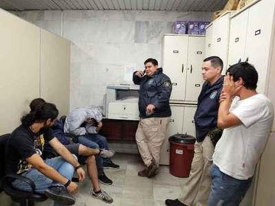 Juez ordena prisión de cinco hinchas de Guaraní en Tacumbú
