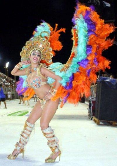 Encarnación brillará desde hoy con su carnaval, al ritmo de la samba