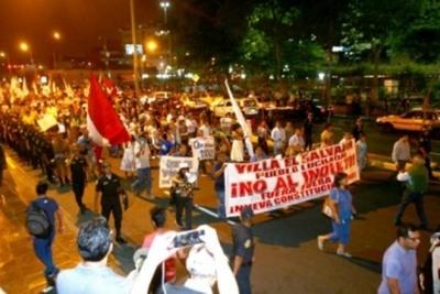 Miles de peruanos marcharon  contra el indulto a Fujimori