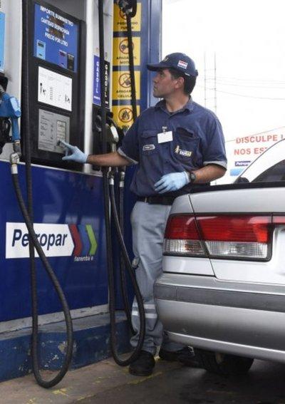 Escasez de alcohol puede encarecer más las naftas