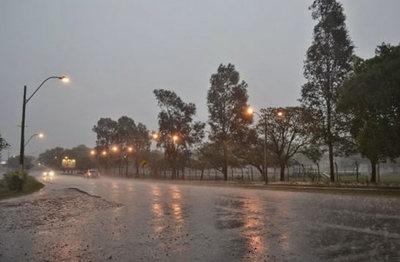 Anuncian tormentas para ocho departamentos