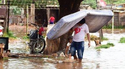 Intensa lluvia agravó la inundación en capital