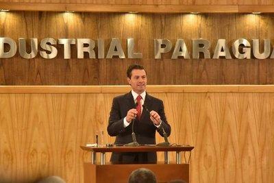Peña Nieto se compromete a acelerar acuerdo con Paraguay