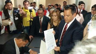 Friedmann renuncia a la Gobernación del Guairá
