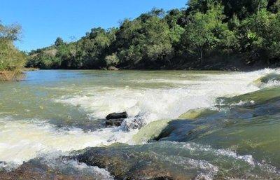 Saltos Plomo y  Encanto`i, dos maravillas en Itapúa